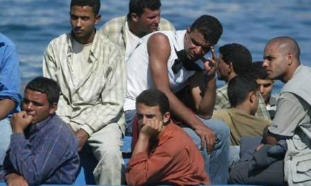 Immigrati, oltre 800 sbarcati in Sicilia nelle ultime 24 ore
